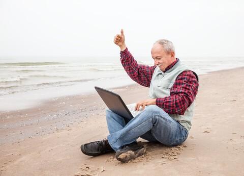 freelance translator on the beach
